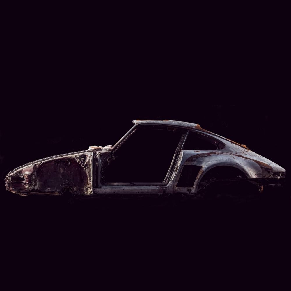 Photograph of deconstructed Porsche | Juan Fernando Ayora