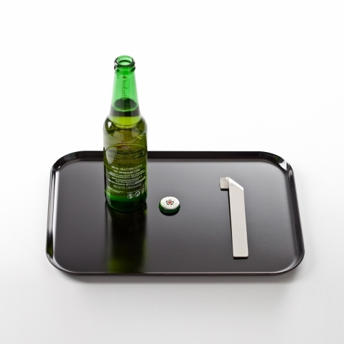 Ruban Bottle Opener, Contexte