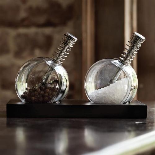 Planet Salt & Pepper, XD Design