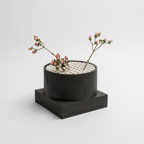Short Utility Vase | Black