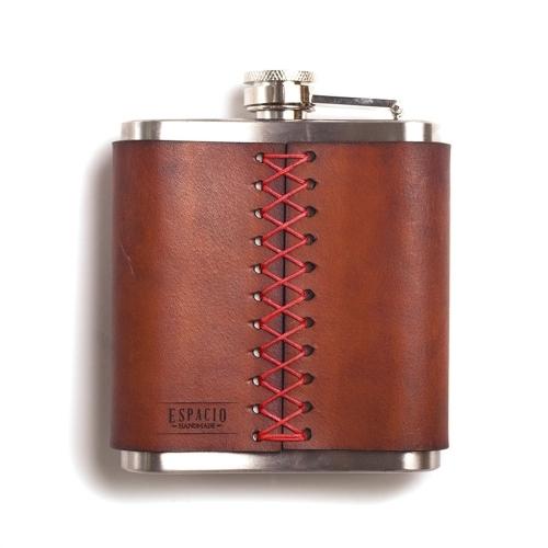 Whiskey Flask, Espacio Handmade