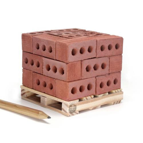 1:6 Red Bricks: 24 Pack w/ pallet | Mini Materials
